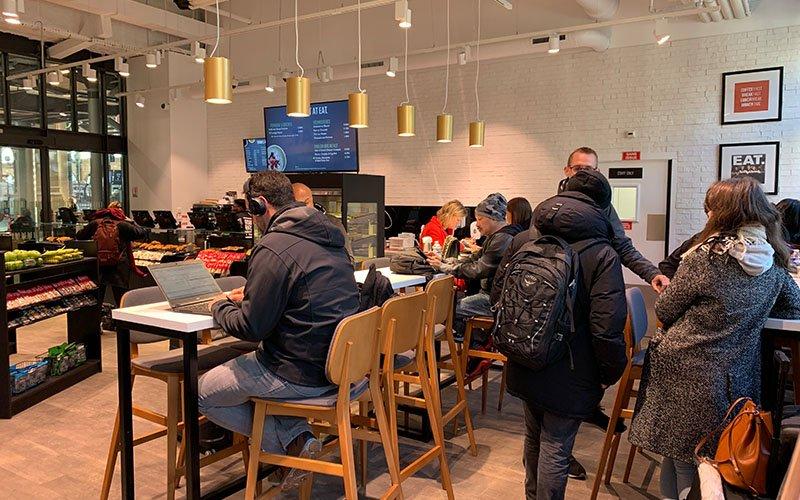 Agencement Restaurant et tables Eat