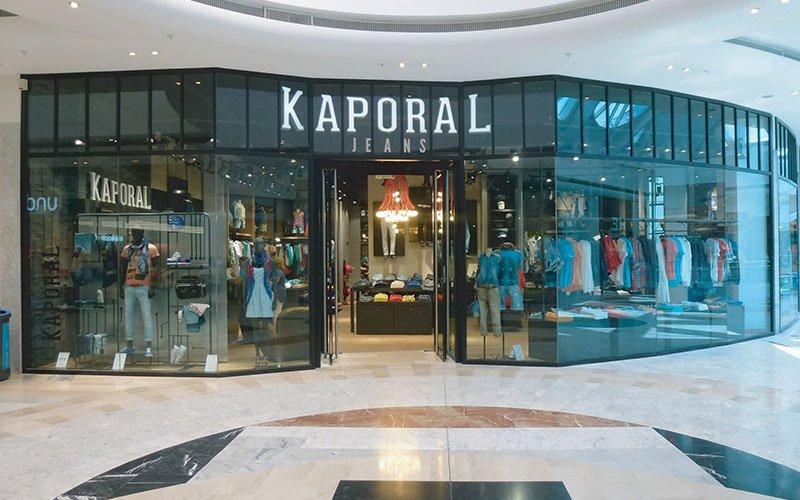 Devanture magasin prêt à porter Kaporal